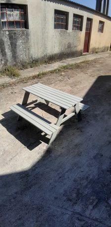 Mesa piquenique para criança