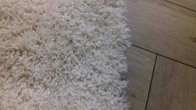 Dywan typu shaggy kremowy, biały