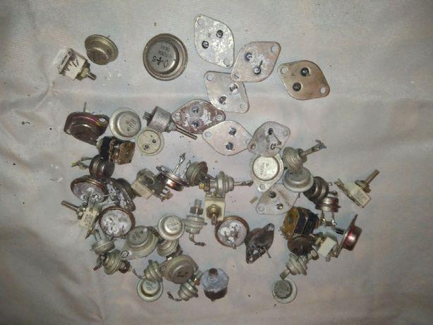 Транзисторы посеребренка из серии КТ и прочие 100 рублей за все