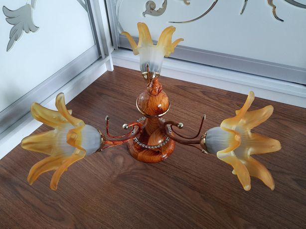Лампа потолочная на три плафона