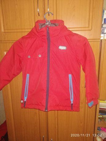 Продам зимнюю детскую курточку