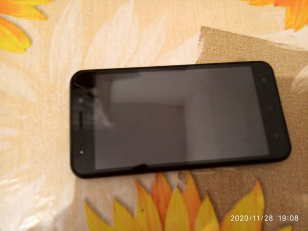 Смартфон ТWOE mobile