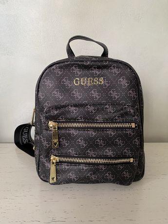 Рюкзак от Guess
