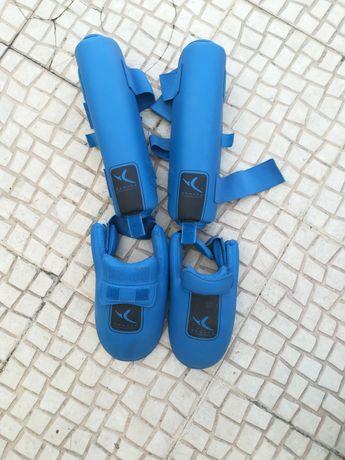 Caneleiras com proteção de pé