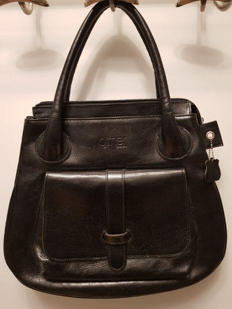 Czarna torba do ręki , firmy AJTNER , zamek , A 4