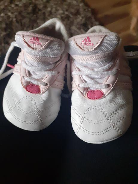 Dla niemowlaka śliczne buciki Zamienie