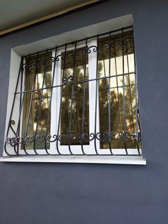 Решетки на окна балконы.