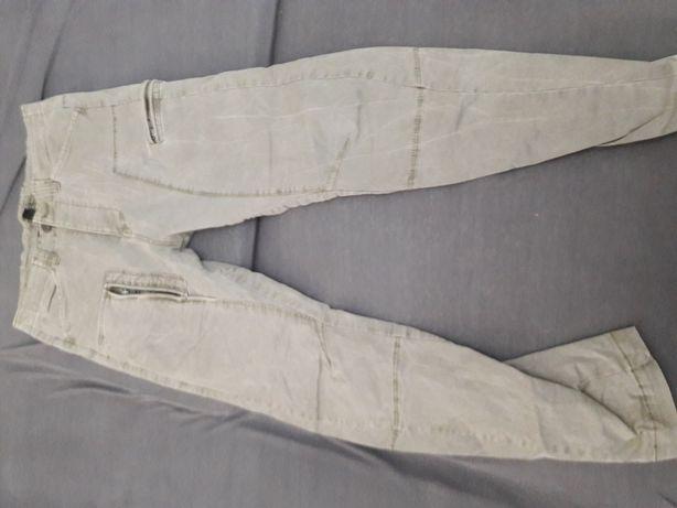 Męskie spodnie młodzieżowe