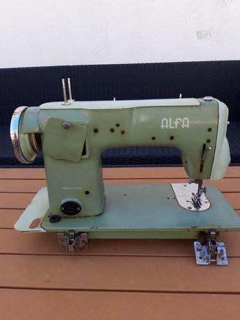 Máquina de costura ALFA