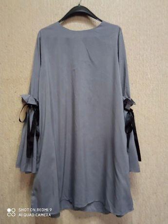 Нежное серое платье