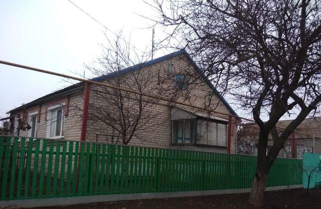 Продам добротный дом 107 кв.м. с гаражем, баней и скважиной