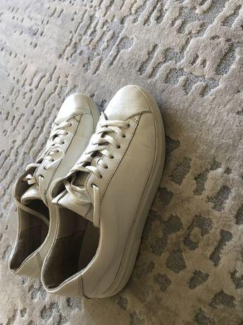 Белые кожанные кроссовки кеды размер 39
