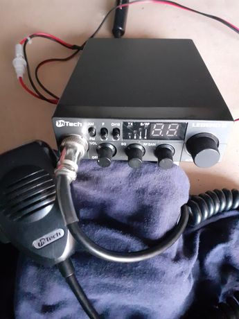 Cb radio m-tech legend II.