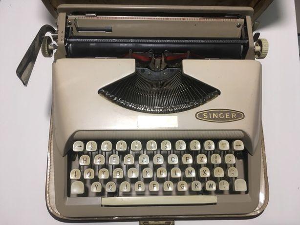Máquina de escrever SINGER