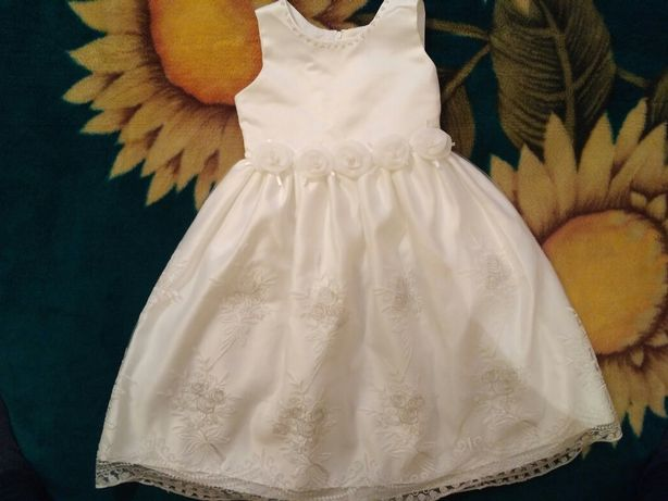 Праздничное платье на девочку