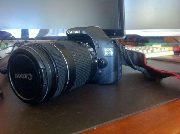 Canon EOS 550D + Lente 18-135mm