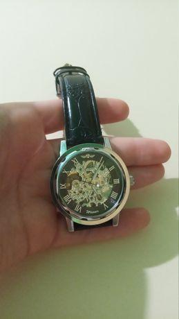 Механические наручные часы