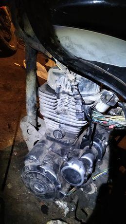 Продам мотор кінлон 150 разом з рамою і всьою провоткв хорошому стані
