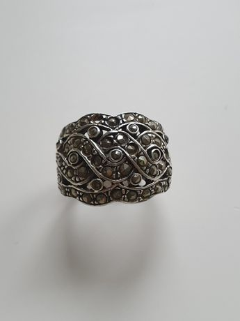 Anel em prata e marcasites