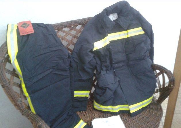 Vendo fato ignífugo para bombeiros