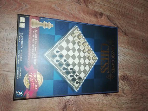 Шахматы, настольная игра.