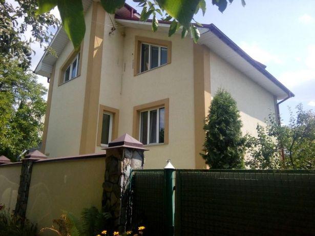 Відмінний 3х поверховий будинок на Осокорках. м.Славутич