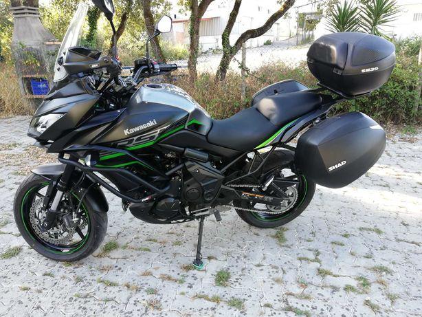 Kawasaki Versys 650 edição especial 2020