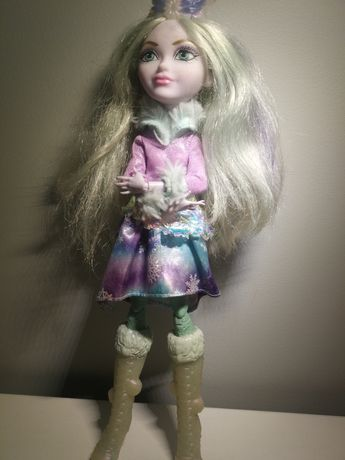 Crystal Winter — lalka Ever After High śnieżna królowa, słodka księżni