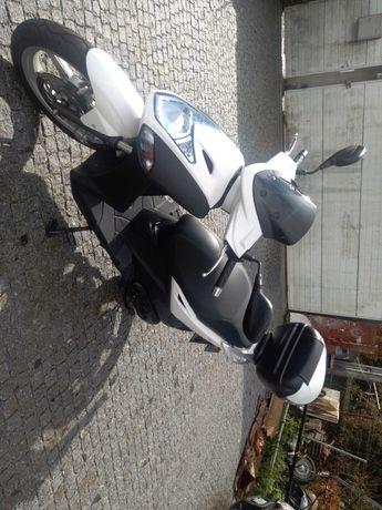 Vendo Scooter KYMCO Agility 125