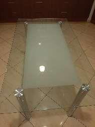 stół szklany ze szkła hartowanego