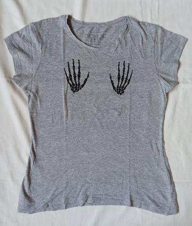 T-shirt cinzenta Primark com mãos de esqueleto