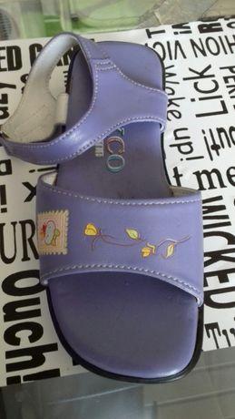 Sandałki dla dziewczynki, rozmiar 28, nowe