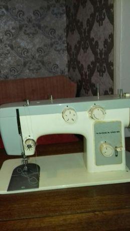 """Продам швейную машинку """"Чайка""""142М"""