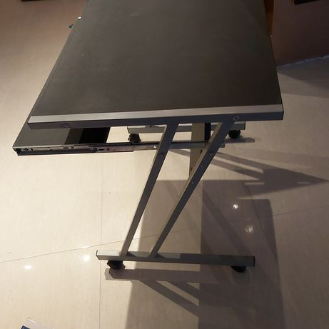 Stolik , biurko pod komputer, laptop