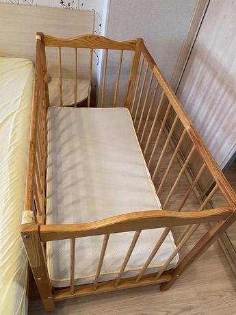 Детская деревянная кроватка + матрас, самовывоз!!!