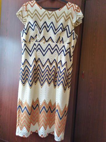 Sukienka z krótkim rekawkiem