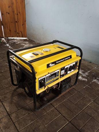 Бензиновый генератор Кентавр 5,5 кв пуск ручной электрический