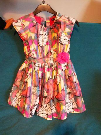 Piękna sukienka dla młodej elegantki