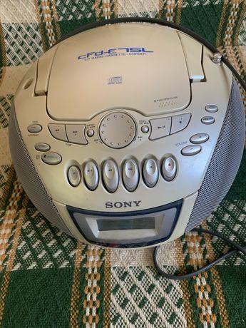 Magnetofon i radio Sony