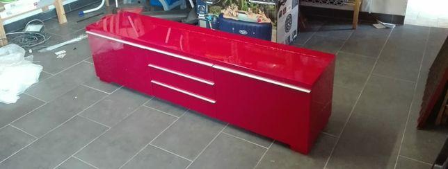 Móvel IKEA vermelho