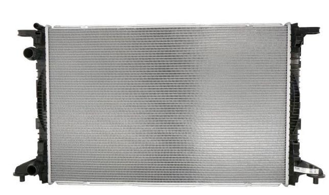 Радиатор охлаждения основной AUDI A4 A5 B9 Q7 радіатор 8W0121251AK 15-