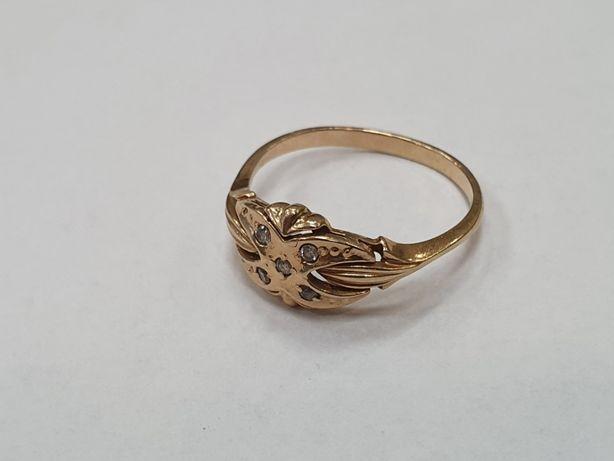 Piękny złoty pierścionek/ 585/ 2 gram/ R14/ Cyrkonie/ sklep Gdynia