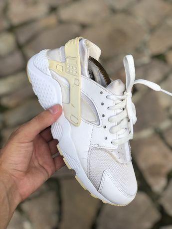 Кроссовки Nike Huarache  36.5 размер