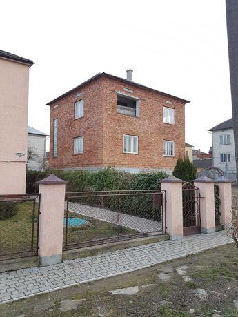 Продається будинок в м. Ходорів