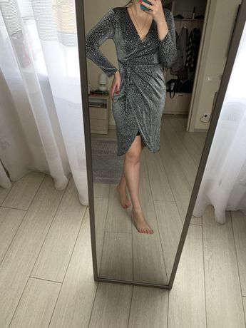 Серебристое люрекс блестящее платье миди на новый год