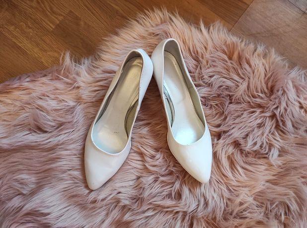 Białe buty skórzane Growikar 38