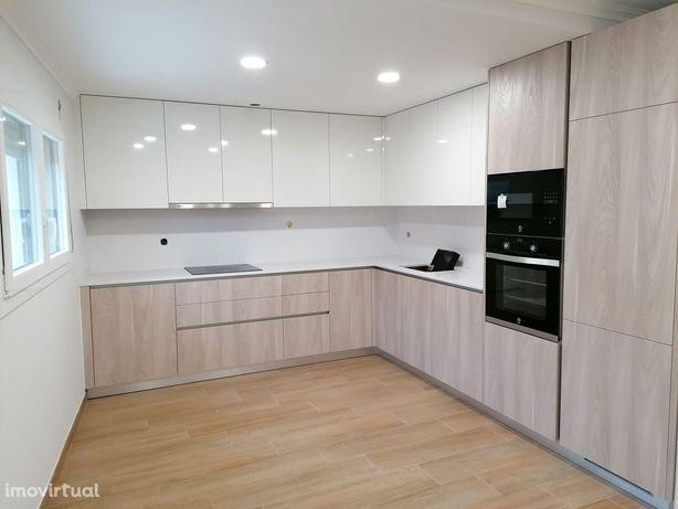 Apartamento T2 no r/c, equipado c/eletrodomésticos. Praia do Pedrogão