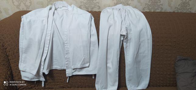 Продаю кимоно в хорошем состоянии