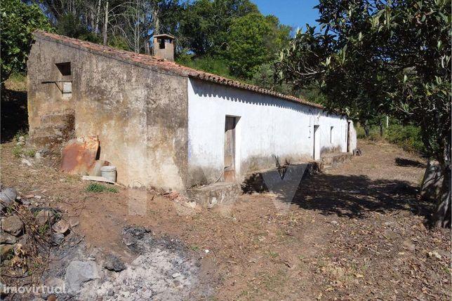 Propriedade de 7520m2 e Casa com 105m2 em Boavista - Alferce - Monchiq