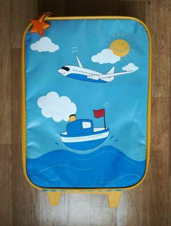 Детский чемодан дорожный